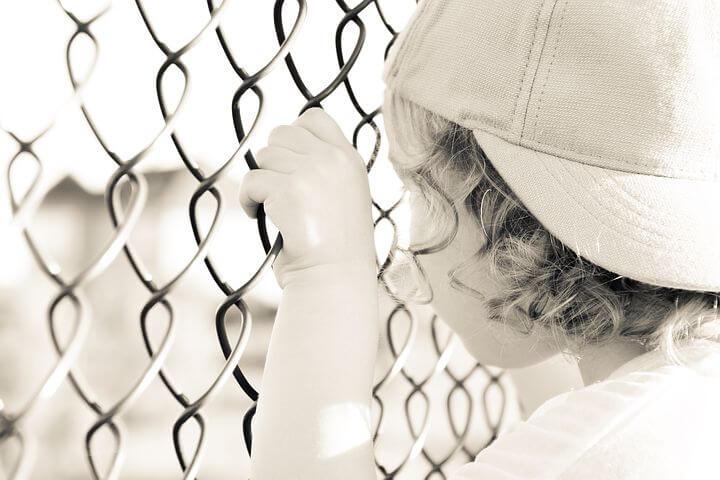 6-latka było trzymane na łańcuchu i zamykane w piwnicy.