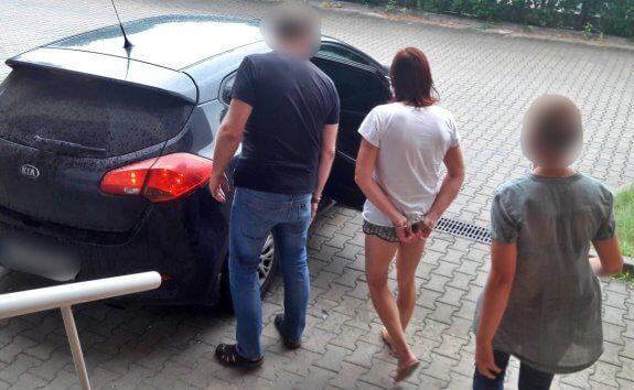 38-latka pod wpływem alkoholu potrąciła na pasach nastolatkę