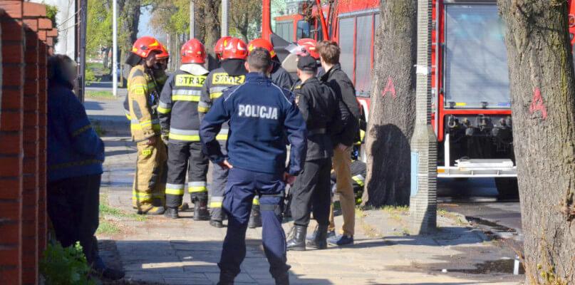 27-letni strażak zgwałcił w łazience 19-letniego druha