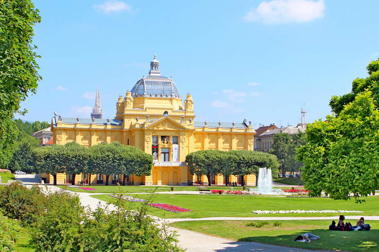 One of many parks in Zagreb city center during Zagreb sightseeing tour