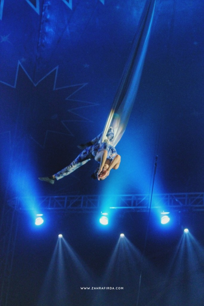 aksi flying trapeze