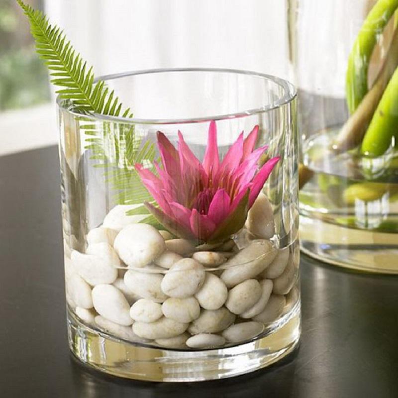 ваза с камъчета