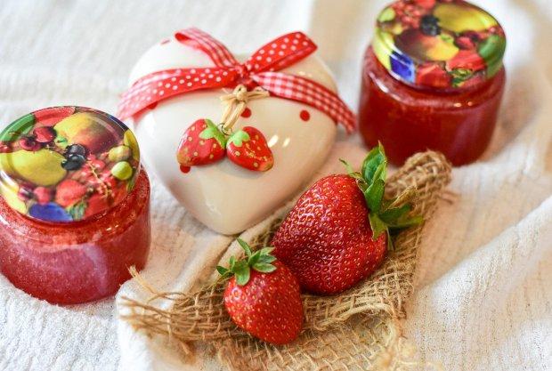 бурканчета сладко от ягоди