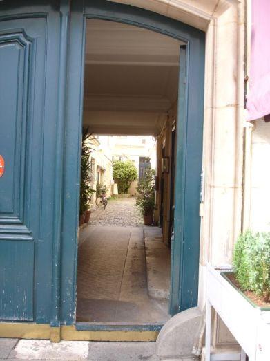 Entrée Rue Linné
