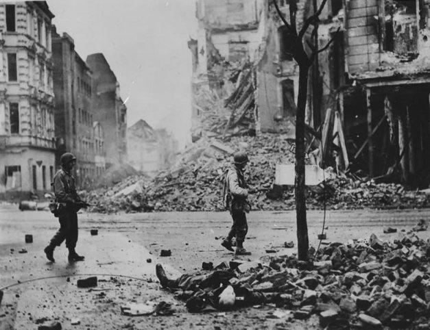 Soldats américains dans Köln