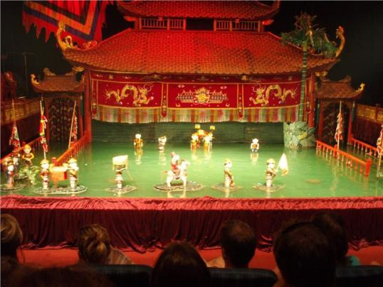 water-puppet-theatre-a-hanoi