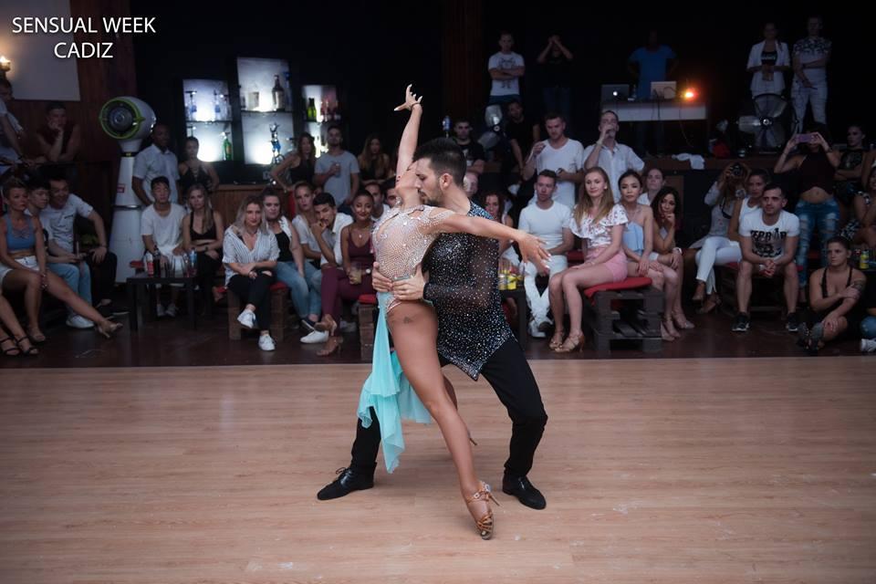 truji-bachata-truji-y-gloria-bahata-sensual-cadiz-zalazar-mens-dance-shoes-negro-shine-varnish-fashion-style-black-sued-premium-dance-shoes