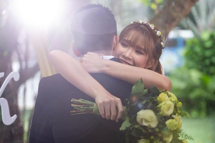 Khởi My - Kelvin Khánh tái hiện lại màn đón dâu 2 năm trước cực yêu