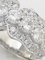 母から譲り受けリフォームした豪華なダイヤモンドのプラチナリング