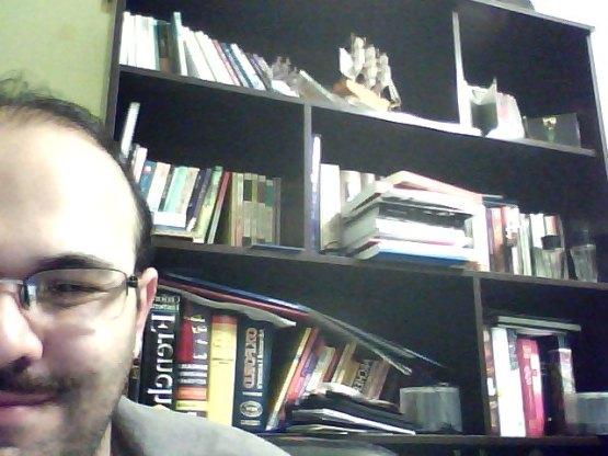 کتابخانه و نصف من