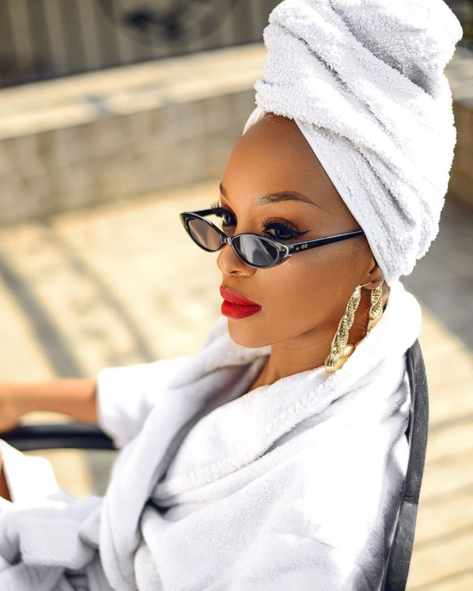 Nandi Madida shows of her Brand New Mercedes Car