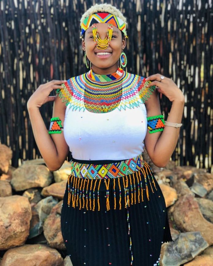 Asavela Mngqithi looks lovely in her Traditional Attire