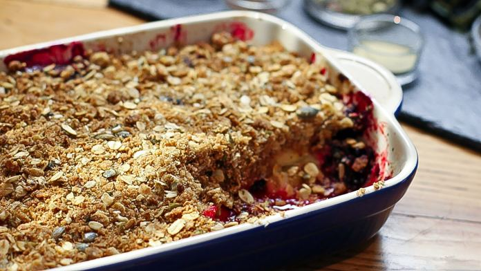 Quick and easy – Apple and blackberry crumble – Recipe