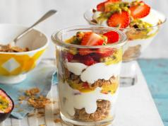 Breakfast trifle1