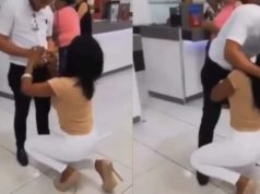 Lady boldly proposes to her boyfriend in public