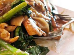 Oyster sauce chicken with Chinese leaf