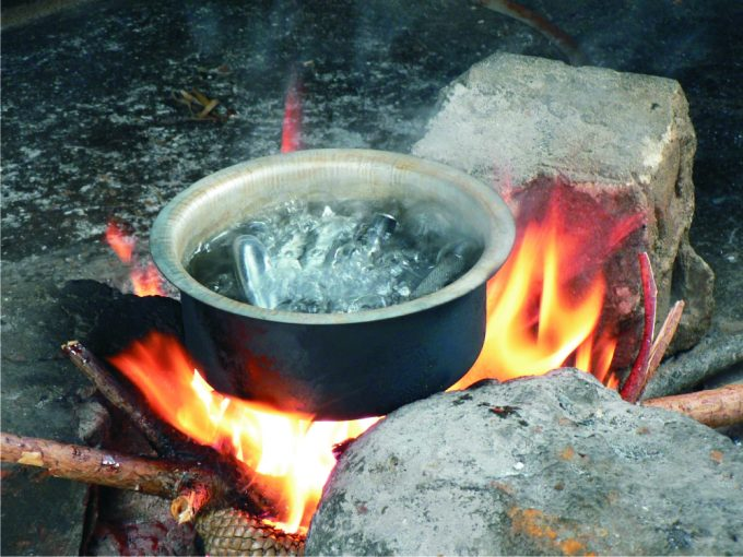 Lusaka woman burns hubby with boiling water after suspicion of cheating – Photo
