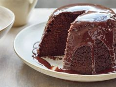 Chocolate steamed pudding