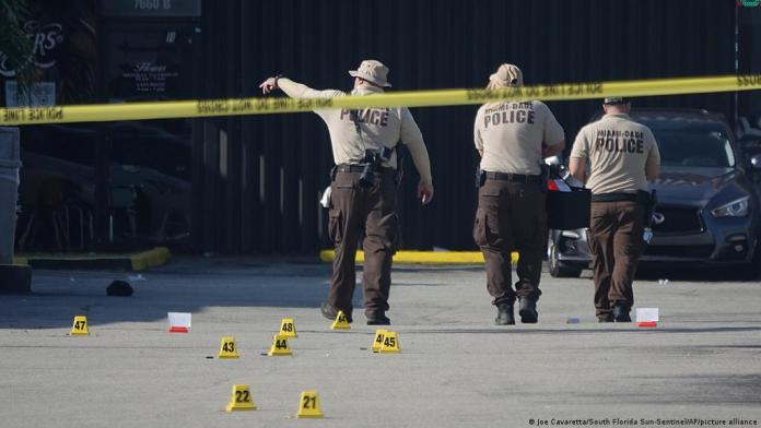 2 dead and more than 20 wounded in Florida shooting