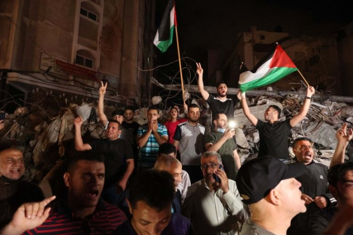 Israeli and Palestinian ceasefire comes into effect