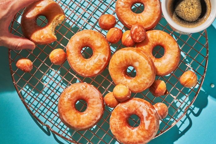 Quick and easy way to make homemade doughnuts