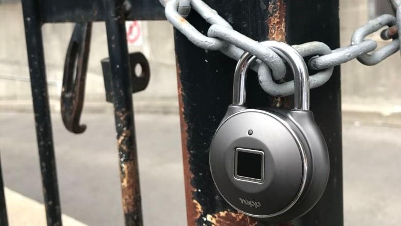 Навесной замок с отпечатком пальцев Tapp Lock BRANDO SMART