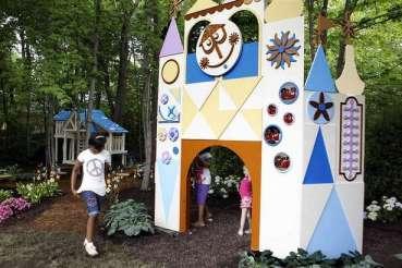 HGTV My Yard Goes Disney Small World