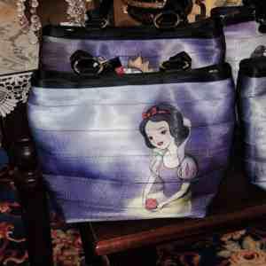Harveys Seatbeltbag Snow White