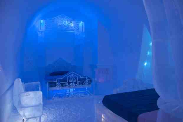 Disney Frozen Suite