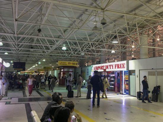 Sala de embarque do aeroporto de Adis Abeba