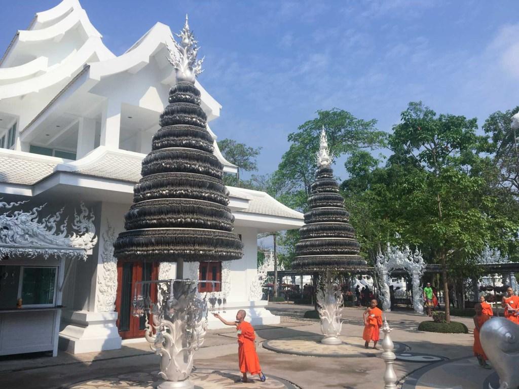 Monge no Templo Branco