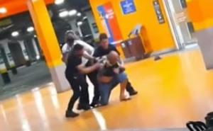 Homem negro é espancado até a morte por seguranças