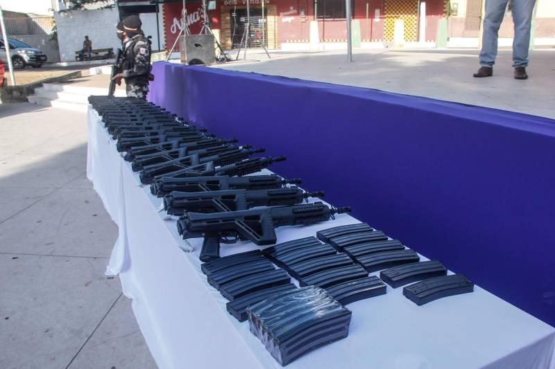 Estado entregou hoje crédito fundiário; nova frota e novo armamento para PM, em Marabá