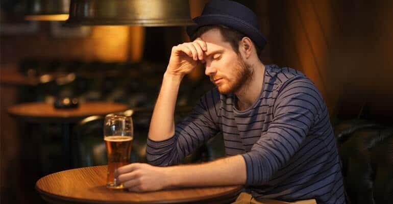 Алкоголь при запоре