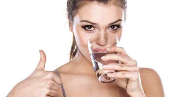 как пить воду при запорах