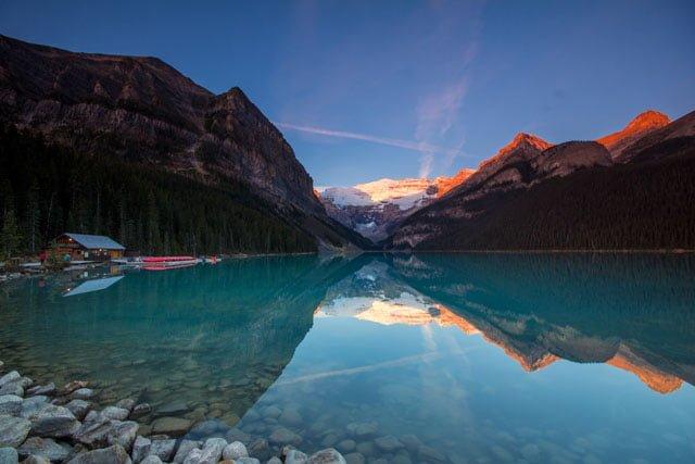 Lake-Louise-at-Sunrise
