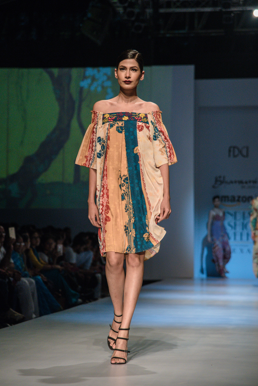 Bhanuni by Jyoti FDCI Amazon India Fashion Week Spring Summer 2018 Look 12