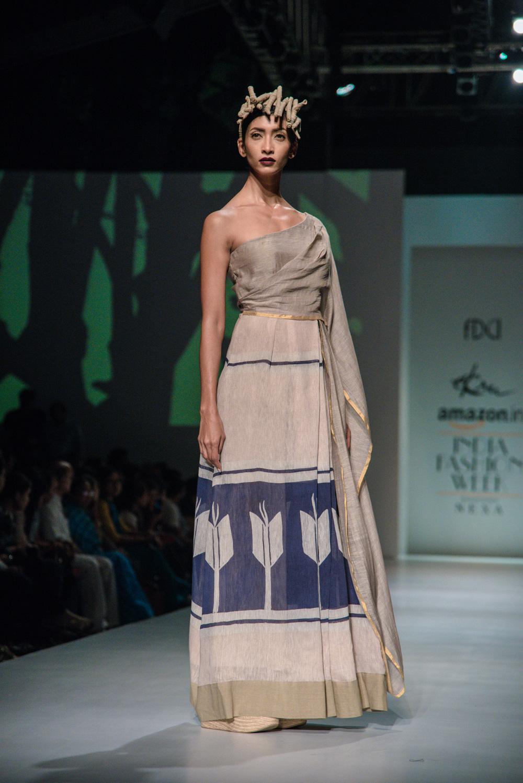 Ekru by Ektaa FDCI Amazon India Fashion Week Spring Summer 2018 Look 14