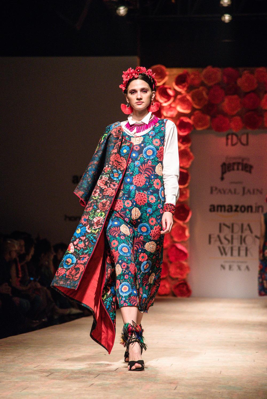 Payal Jain FDCI Amazon India Fashion Week Spring Summer 2018 Look 16