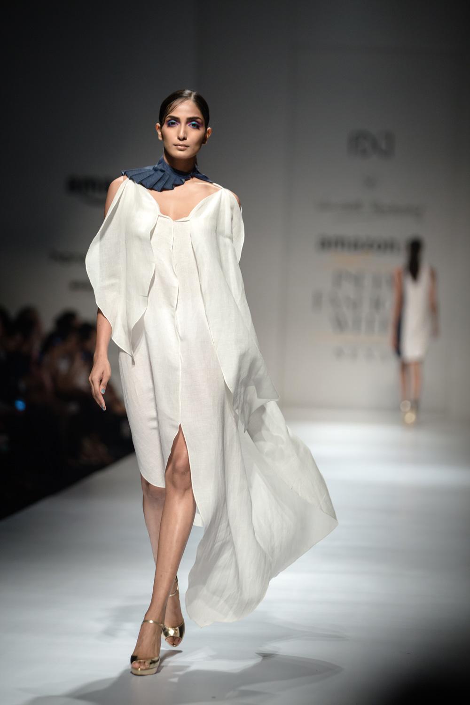 Wendell Rodricks FDCI Amazon India Fashion Week Spring Summer 2018 Look 2