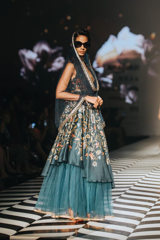 JJ Valaya FDCI Amazon India Fashion Week Spring Summer 2018 Look 1