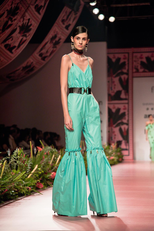 Shivan and Narresh FDCI Amazon India Fashion Week Spring Summer 2018 Look 10