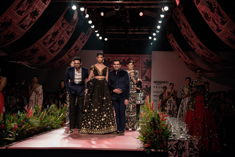 Shivan and Narresh FDCI Amazon India Fashion Week Spring Summer 2018 Look 24