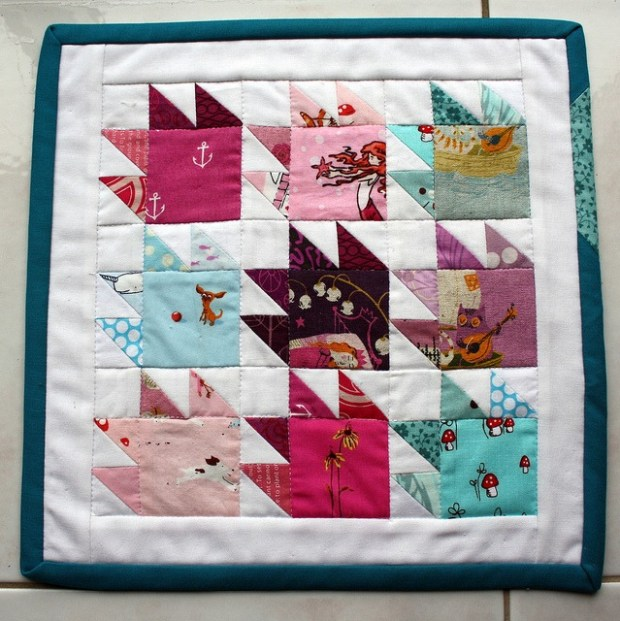 bear paw mini quilt