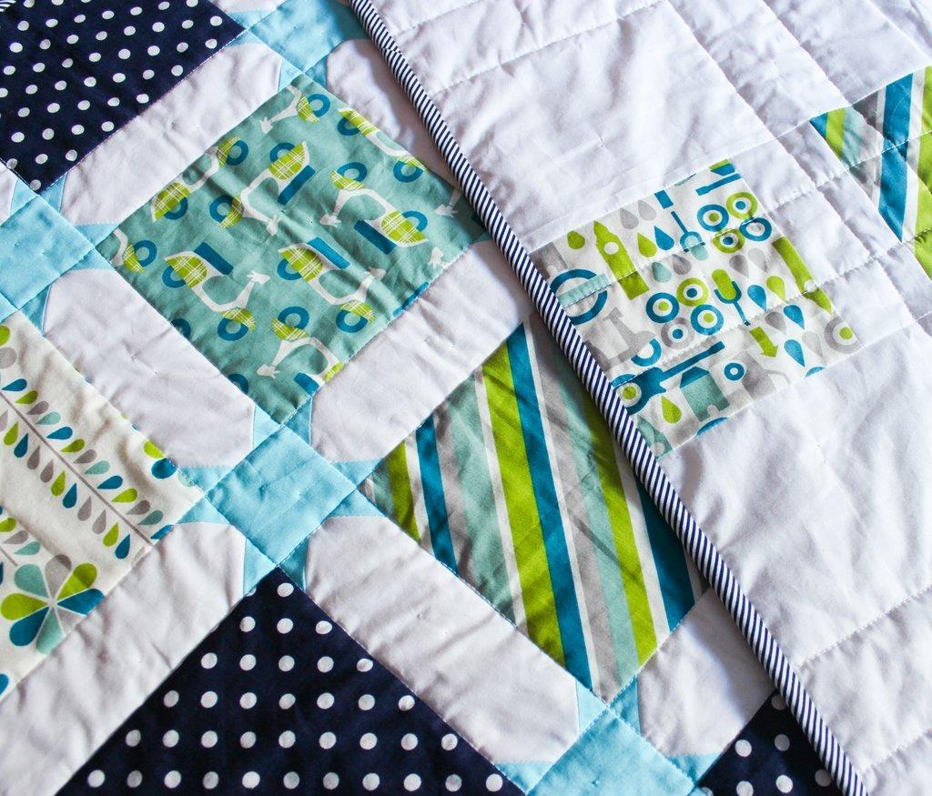 Star sashing baby quilt (4)