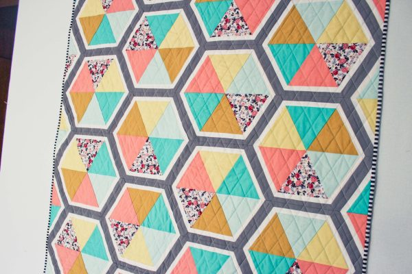 triangle hexies quilt quiltylovepattern