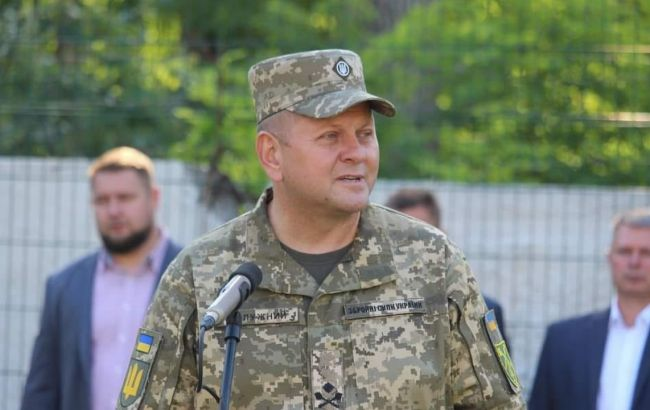 Святе місце довго пустим не буває: Валерія Залужного призначено новим головнокомандувачем ЗСУ