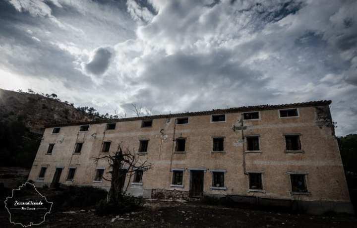 Edificio_antiguo_Chorreras_Enguidanos