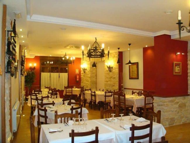 Salón del Hostal-Restaurante Los Claveles