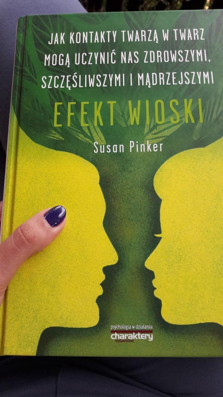"""Recenzja książki """"Efekt Wioski"""". Autor Susan Pinker"""